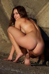 http://img19.imagetwist.com/th/04320/r2uywest3q0s.jpg